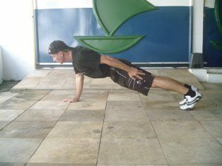 one arm press up top position